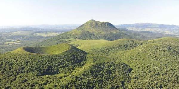 Le volcan puy de d me auvergne - Puy de dome office du tourisme ...